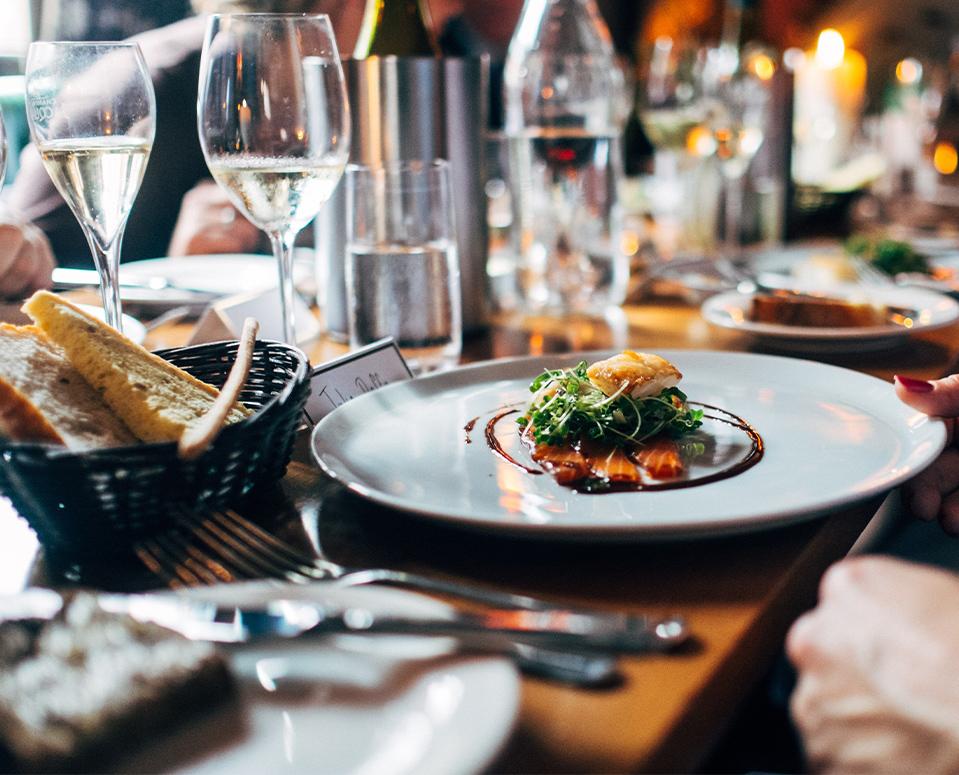Un restaurant gastronomique <br> <span>Terroir, tradition et innovation</span>